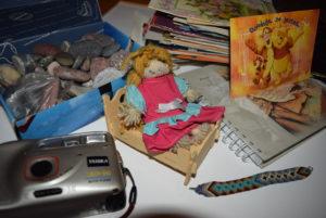 wspomnienia, lalka, aparat fotograficzny, dzieciństwo lat 90. rymowany wiersz